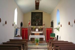 Interno della Chiesa di San Pietro apostolo a Torriola